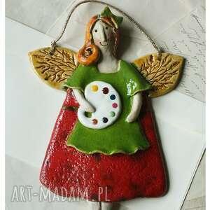 anioł malarka w zielonym fartuszku, ceramika, anioł, malarka, paleta
