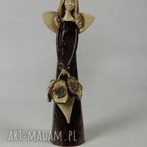 ceramika anioł z koszem kwiatów, anioł, ceramiczny, kwiaty