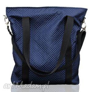 Granatowa pikowana torba w kształcie prostokąta na ramię torebki