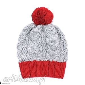 czapka z czerwonym pomponem - warkocze, pompon, czapka, akryl, dziergana
