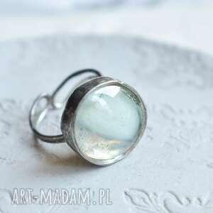 białe mazy - pierścionek ze szkłem regulowany rozmiar