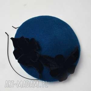 wyjątkowy prezent, ozdoby do włosów filemonka kwiatowa, fascynator, filc, turkus