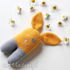 Leoś królik dziergany na szydełku zabawki motilove królik, miś