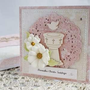 handmade scrapbooking kartki na chrzest - z chrzecielnicą