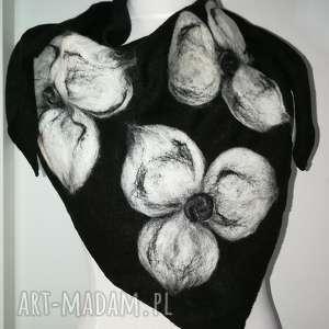 czarna chusta wełniana filcowana wełna merynosów, chusta, ciepła, etno, zimowa, boho,