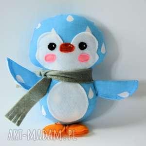 zabawki pingwinek karol, pingwinek, dziecko, chłopczyk, maskotka, zima, kropelka
