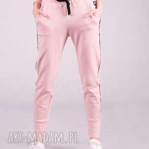 spodnie dresowe damskie ze ściagaczem -róż, spodnie, bluzki, t shirty