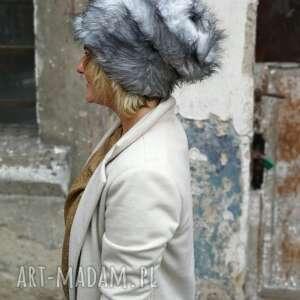 czapka futrzana zimowa ciepła handmade kolor szara-box as-czapka