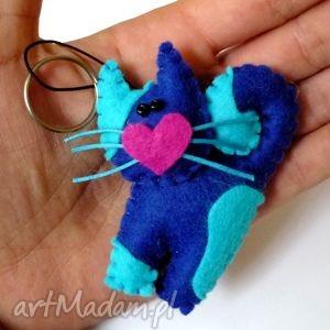breloki kotek - brelok z filcu, filc, kot, serce, wąsy, brelok, prezent