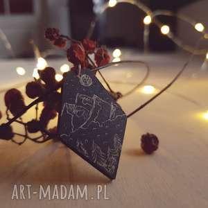 Drewniany wisior grawerowany, moonlight minimalist art, góry, księżyc, folk, rtniczny