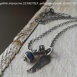 szarotka pod ochroną naszyjnik ze skrzydłem, kianit, kyanit, srebro oksydowane