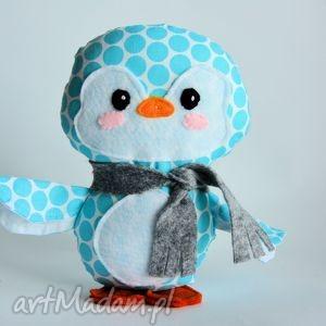 świąteczny prezent, pingwinek maks, pingwinek, maskotka, chłopczyk, dziewczynka