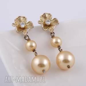 Złote kwiaty-kolczyki z pereł Swarovski - ,złote,kwiaty,kolczyki,perły,swarovski,
