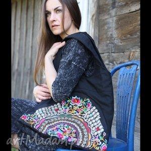 handmade na ramię hmong, dymanicznie, kolorowo, etnicznie p1