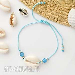 bransoletka z muszelką kauri i agatem błękitnym, bransoletki kauri, muszelki