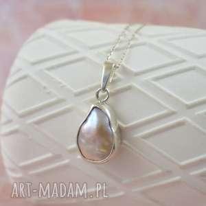 ręczne wykonanie naszyjniki simple - wisior z asymetryczną perłą