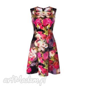 sukienki 32 - dzianinowa sukienka w kwiatki roz