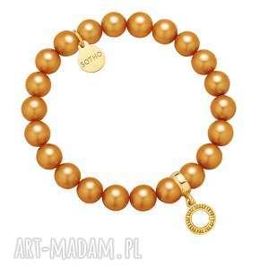Karmelowa bransoletka z pereł SWAROVSKI® CRYSTAL ze złotą okrągłą zawieszką