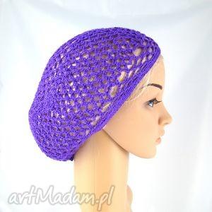plażowa siatka na włosy w kolorze fioletowym, czapka, beret, ażur, plaża, wakacje,