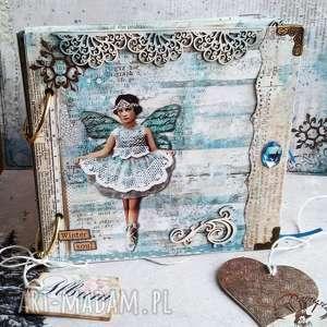 album na zdjęcia wklejane, zima, gwiazdy, motyl, kryształki, zdjęcia, prezent