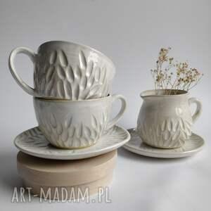 zestaw składający się z dwóch filiżanek i dzbanuszka 1, filiżanka do herbaty