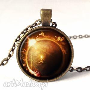 ręczne wykonanie naszyjniki zaćmienie słońca - medalion z łańcuszkiem