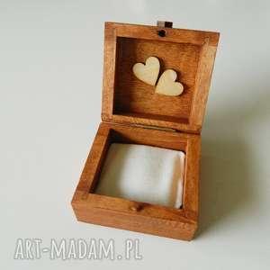 Szkatułka na obrączki z poduszką, poduszka, serce, serca