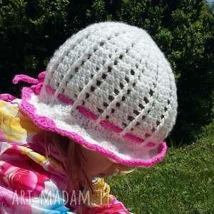 biały kapelusik z włóczki dla dziewczynki - kapelusik, włóczka, dla