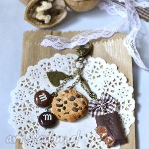 brelok czekoladowego łasucha - , ciatko, modelina, fimo, cukierki, czekolada
