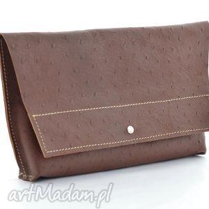 skórzana minimalistyczna kopertówka - brązowy struś, skóra, skórzana