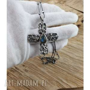 naszyjnik krzyż z labradorytem, labradoryt, srebro, naszyjnk, ochrona