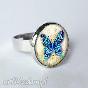 bŁĘkitny motyl śliczny pierścionek z motylem za szkłem - motyle, lato