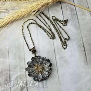 handmade wisiorki 0968/mela wisiorek z żywicy kwiat