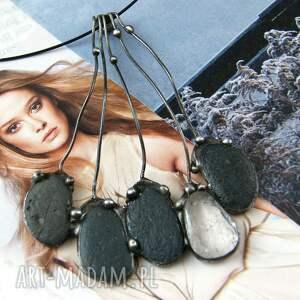 handmade naszyjniki naszyjnik: duży wisiorek grono otoczaki czarne