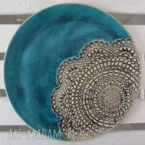 turkusowa patera z koronką - ,dekoracyjny,talerz,ceramiczny,koronkowy,patera,ceramiczna,