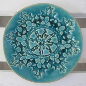 ceramika koronkowy turkusowy talerzyk, fusetka ceramiczna, talerzyk dekoracyjny