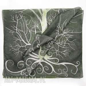 ciemnozielony szal jedwabny z białym drzewem, jedwab, jedwab malowany