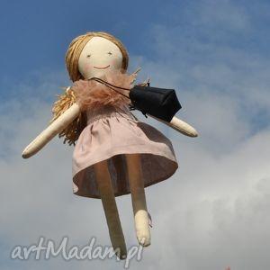 Prezent Lisa w pudrowej sukience , lalka, szmaciana, prezent