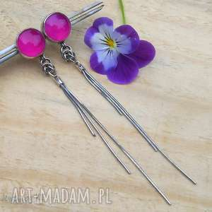 kropki fuksji z łańcuszkiem, srebrne kolczyki, kolczyki sztyfty, długie