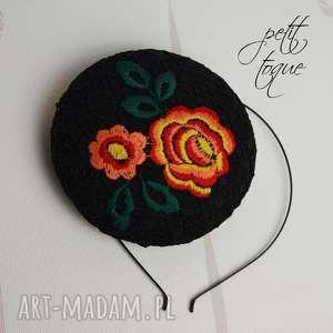 petit toque fleur, fascynator, koronka, kwiaty, toczek, święta