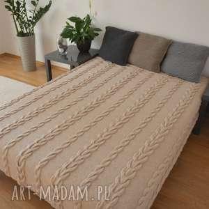 koce i narzuty narzuta na łóżko ręcznie robiona drutach - jasny beż
