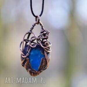 Prezent Drop - naszyjnik w surowym stylu z wisiorem, naszyjnik, niebieskie-szkło