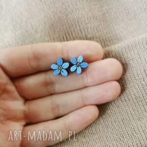 kolczyki niezapominajki, drewno, ręcznie malowane, kwiaty, niezapominajki