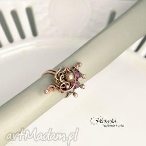 hand made pierścionki violet - pierścionek ze szklanymi kryształkami swarovski