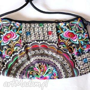 kopertówki torba haftowana z pomponami, haftowana, etniczna, boho, prezent, mama