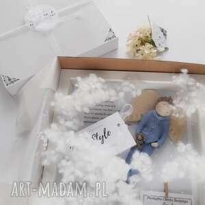 ręcznie robione pomysł na upominek świąteczny anioł stróż płaskorzeźba prezent dla