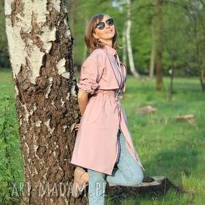 Płaszcz różowy - zwiewny płaszcze trzyforu sukienka, dres,