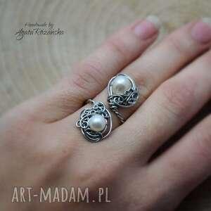 pierścionek regulowany perły ze stali chirurgicznej, wire wrapping