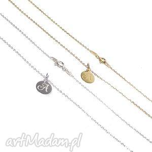 minimalistyczny naszyjnik z literką, łańcuszek, delikatny, litera, charms, celebrytka