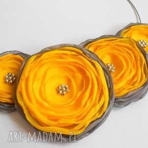 kwiatowa kolia - kwiaty, kolia, naszyjnik, biżuteria, kobieta, święta